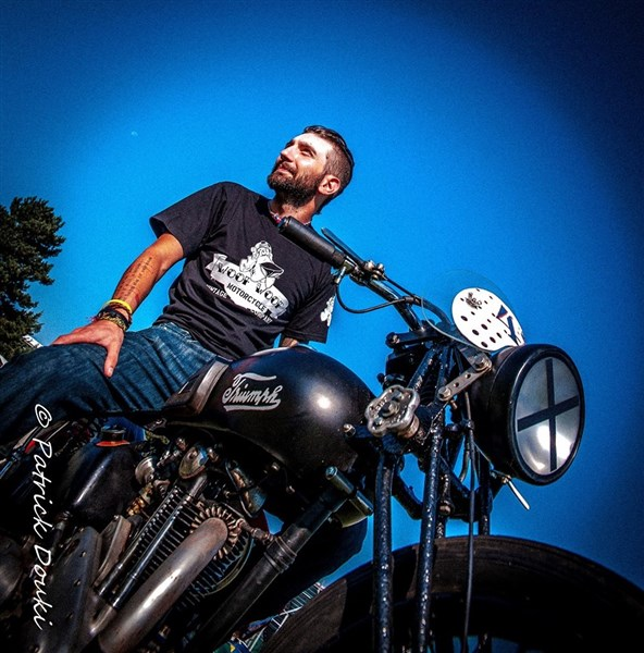 http://www.hound-motorcycle.com/s/33022_tee-shirts